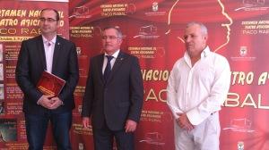 El alcalde de Águilas junto al concejal de Cultura y el director del Auditorio Infanta Elena. Foto:Teatrico
